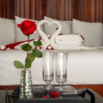 Romantic Rendezvous Package